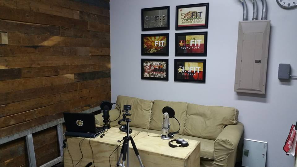 First set up for my interview with Mike at SICFIT. We decided to rerecord this one as this was our first shot at this whole podcast thing. Still a pretty decent setup.
