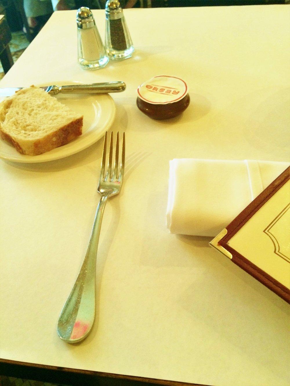 Brasserie Orsay & Ju Ju s'amuse 011.JPG