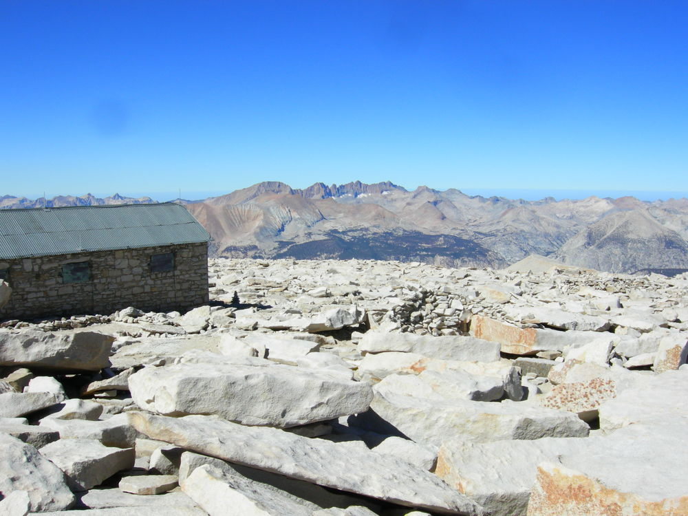 mt-whitney-summit-hut
