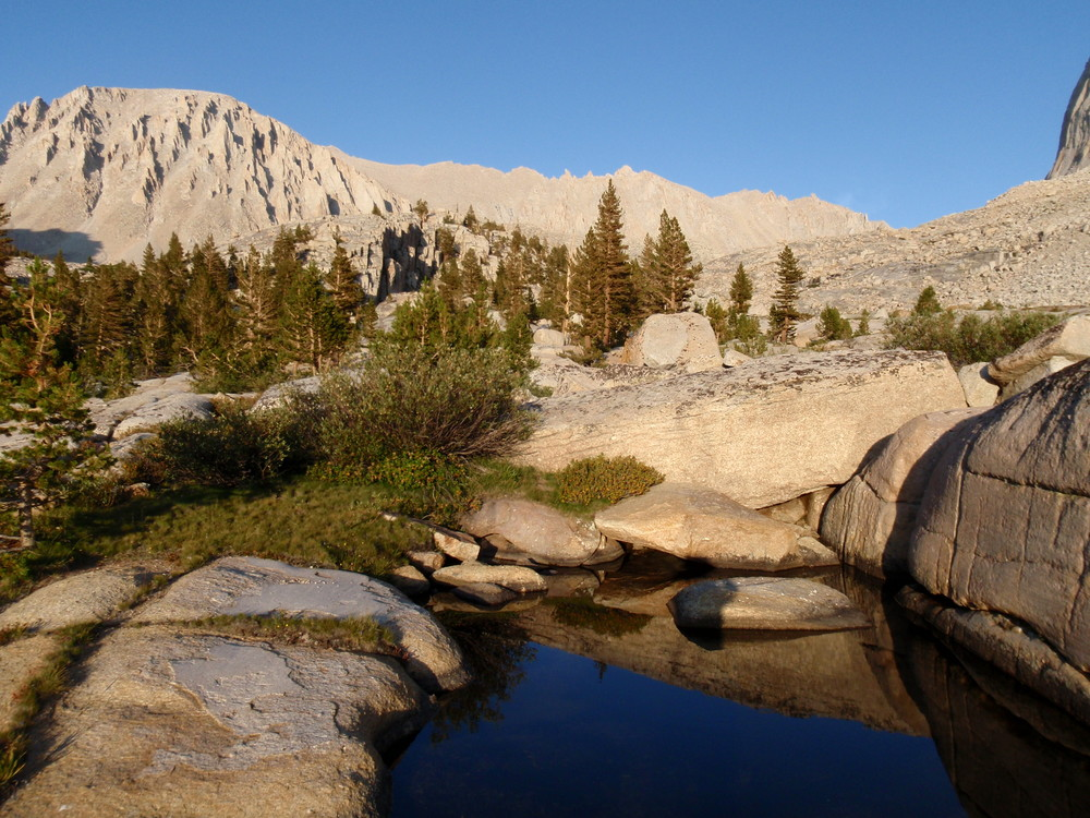 mt-whitney-deep-blue-pool