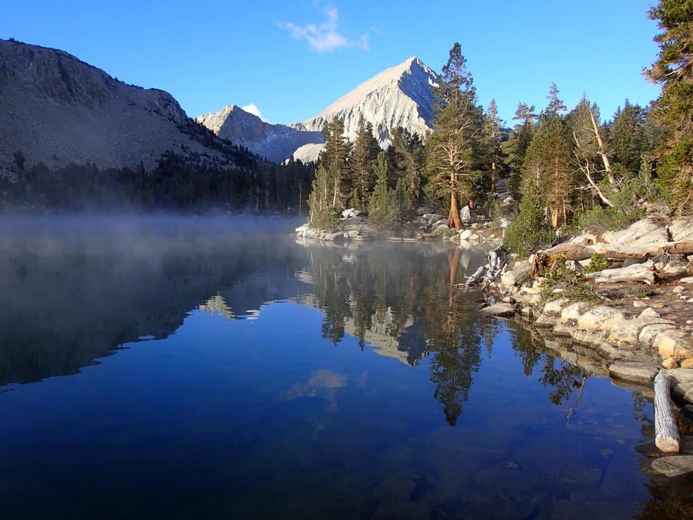 Arrow Peak reflected in Bench Lake