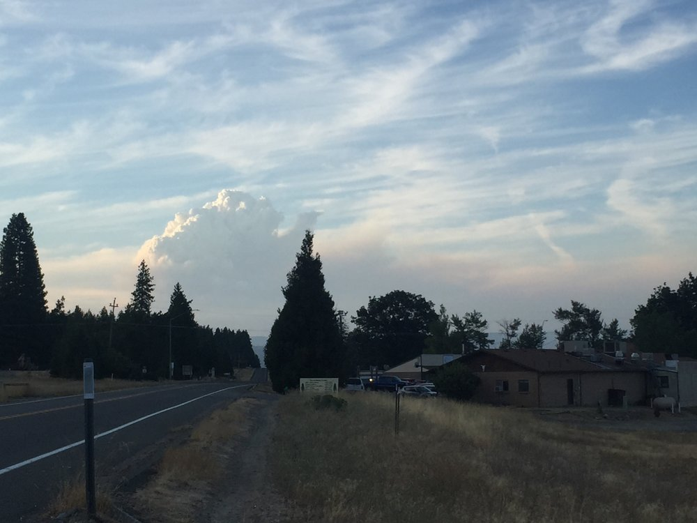Plume of smoke rising from Happy Camp blaze, as seen from outside the Motel Etna