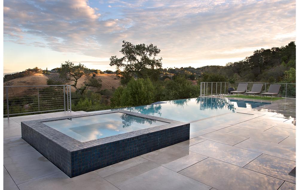 Teresita Residence Infinity Pool & Jacuzzi