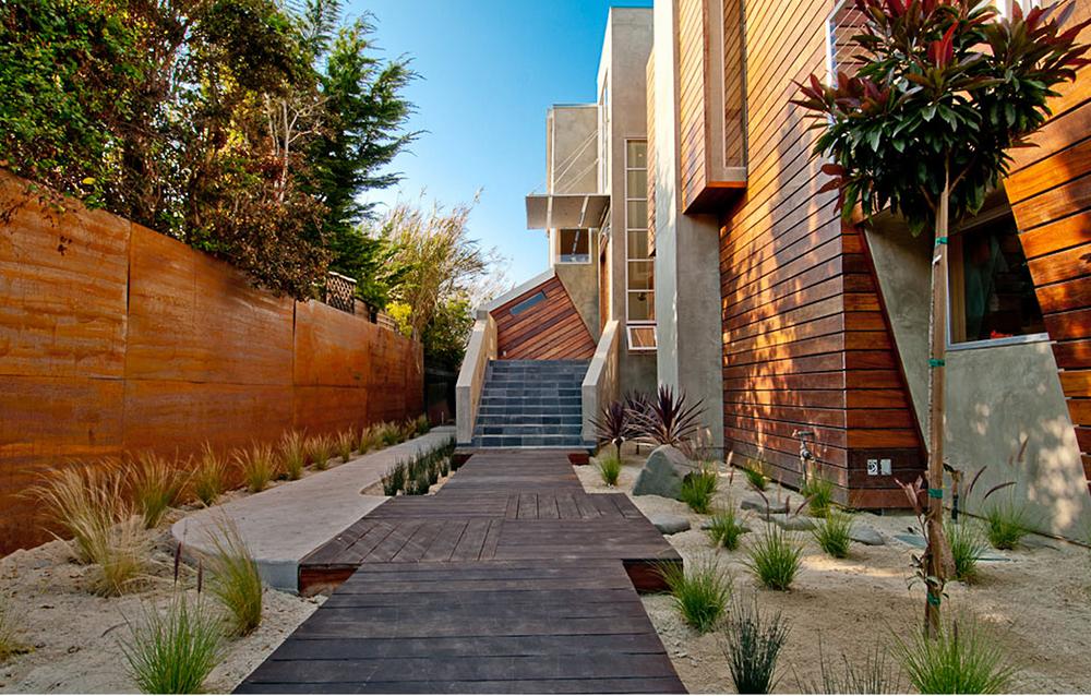 Moana Residence Exterior Walkway/Wood Paneling