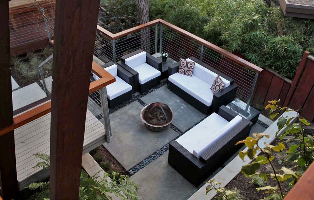 Bell Garage Residence - Aptos, CA - Exterior Patio Lounge and BBQ