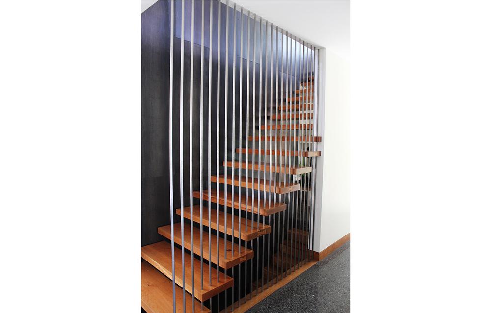 Las Cumbres Residence - Los Gatos, CA - Interior Stairway