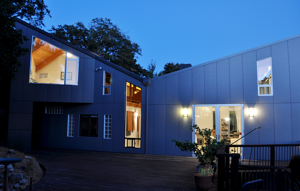 Favre Ridge Residence - Los Gatos, CA - Exterior Rear