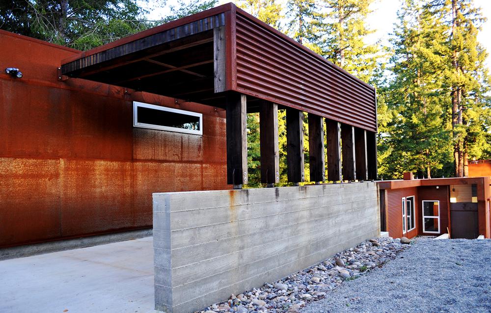 Fern Flat Residence - Aptos, CA - Exterior Walkway