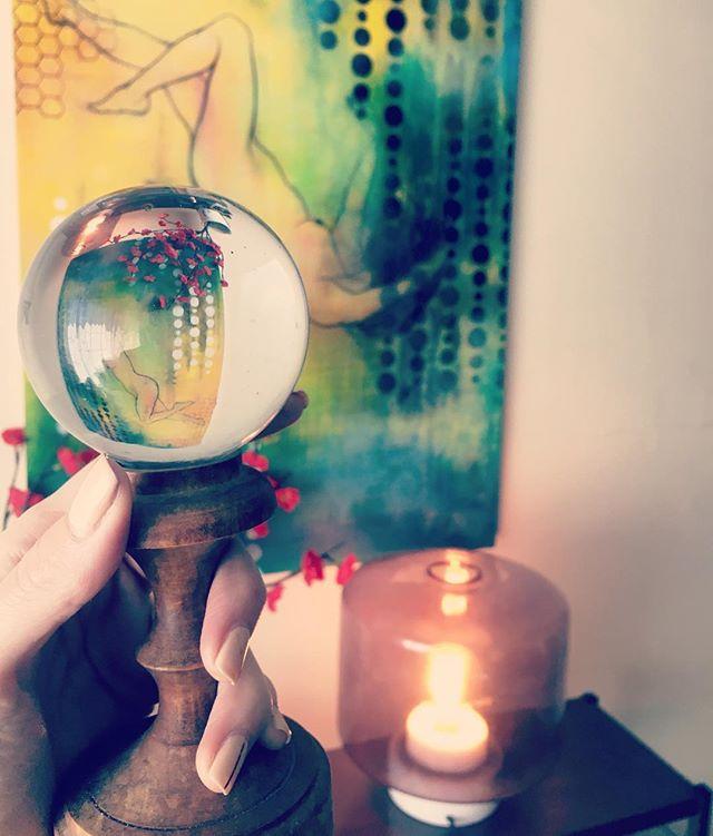 I had a dream that someone broke my grandma's crystal ball. Analyze me. #nobodybetterbreakit