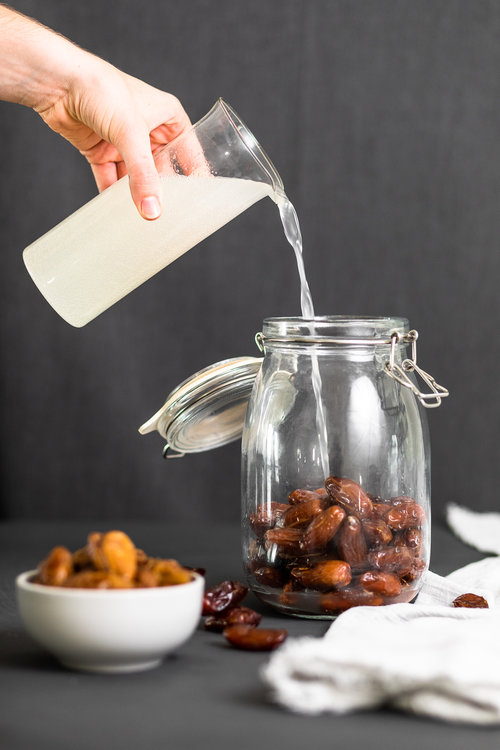 Fermented_Dates_Pour_by_Jordan_Pie_Nutritionist_Photographer-1.jpg