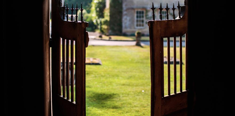 Babington-gate.jpg