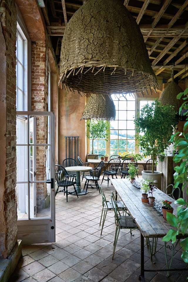 interior-the-folly-at-the-pig-at-combe-hotel-devon-conde-nast-traveller-18oct16-james-merrell_640x960.jpg