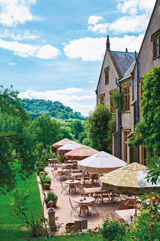 restaurant-terrace-at-the-pig-at-combe-hotel-devon-conde-nast-traveller-18oct16-james-merrell_640x960.jpg