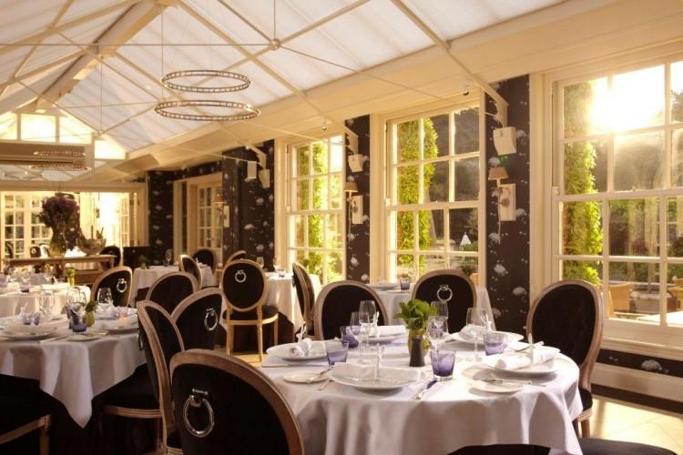 Chewton-Glen-Restaurant-17-05-11-4356-e1314104614220.jpg