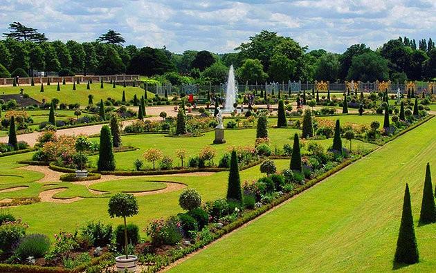 1607898_by_KG2551-dunningj2027_1478017157_1606606_by_kgraves_london-hampton-court-royal-gardens.jpg