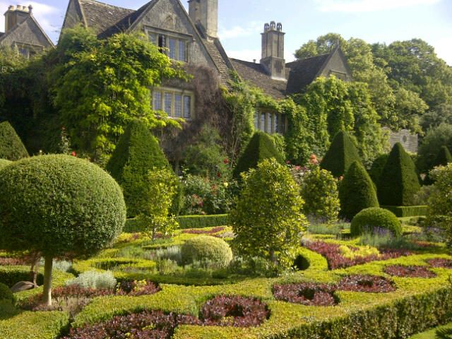 4a4c24c286aa026262d7b9cacb9faa90--english-gardens-house-gardens.jpg