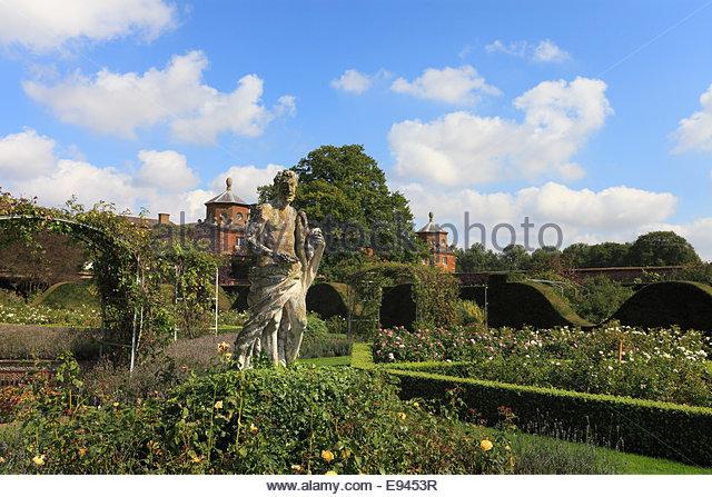 the-rose-garden-at-houghton-hall-norfolk-england-e9453r.jpg