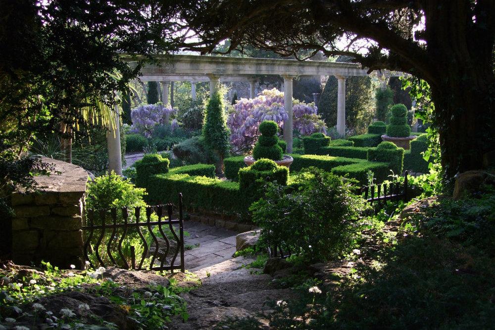 iford_manor_garden.jpg