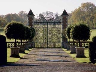 b575af9ccf767773b39049a56bf6e7e7--garden-entrance-garden-gates.jpg