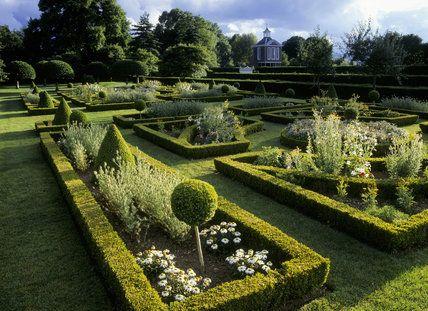 5c929aa09e0f05a10a5b043f79f50199--formal-gardens-national-trust.jpg