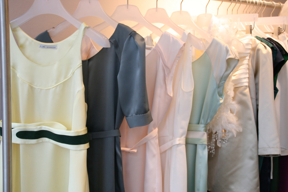 Auswahl Kleiderkollektion Isi Lieb   #Standesamtkleider #Seidenkleider #Eventkleider
