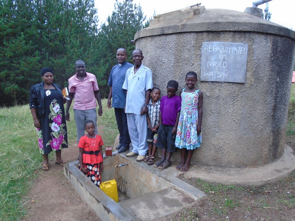 WATSAN rainwater tank at Katubere.jpg