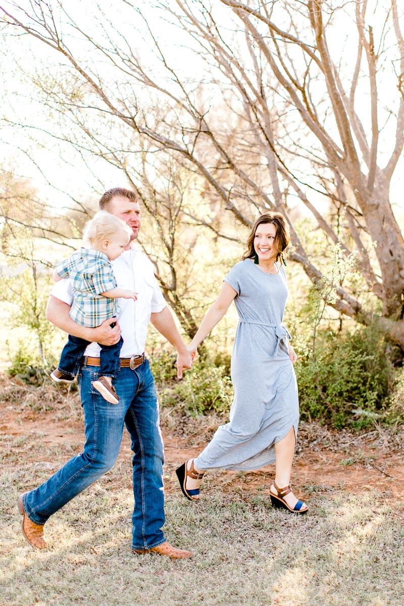 harper-family-dallas-family-photographer-kaitlyn-bullard-1.jpg