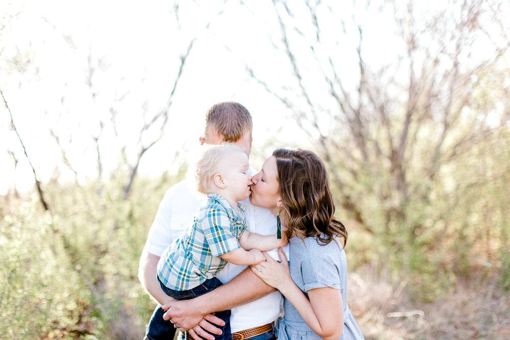harper-family-dallas-family-photographer-kaitlyn-bullard-6.jpg