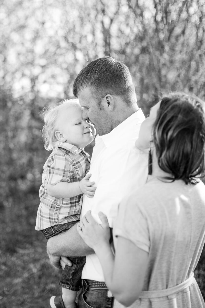 harper-family-dallas-family-photographer-kaitlyn-bullard-7.jpg