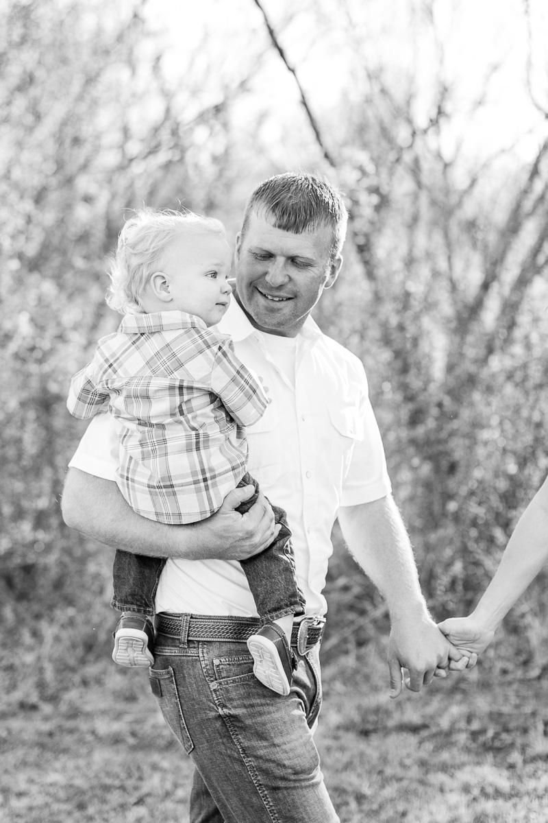 harper-family-dallas-family-photographer-kaitlyn-bullard-8.jpg