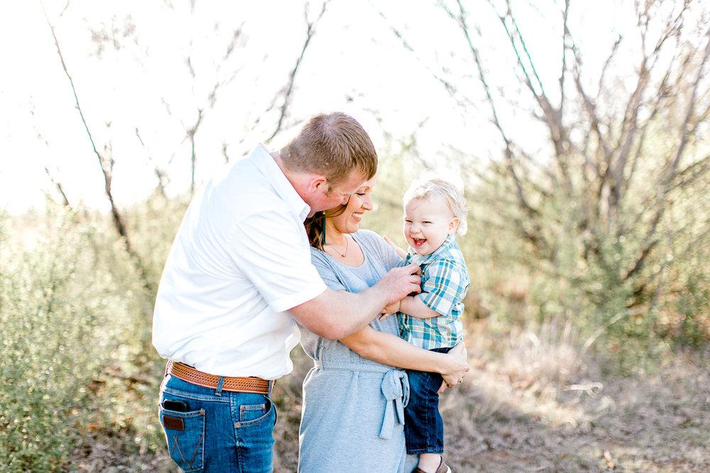 harper-family-dallas-family-photographer-kaitlyn-bullard-13.jpg
