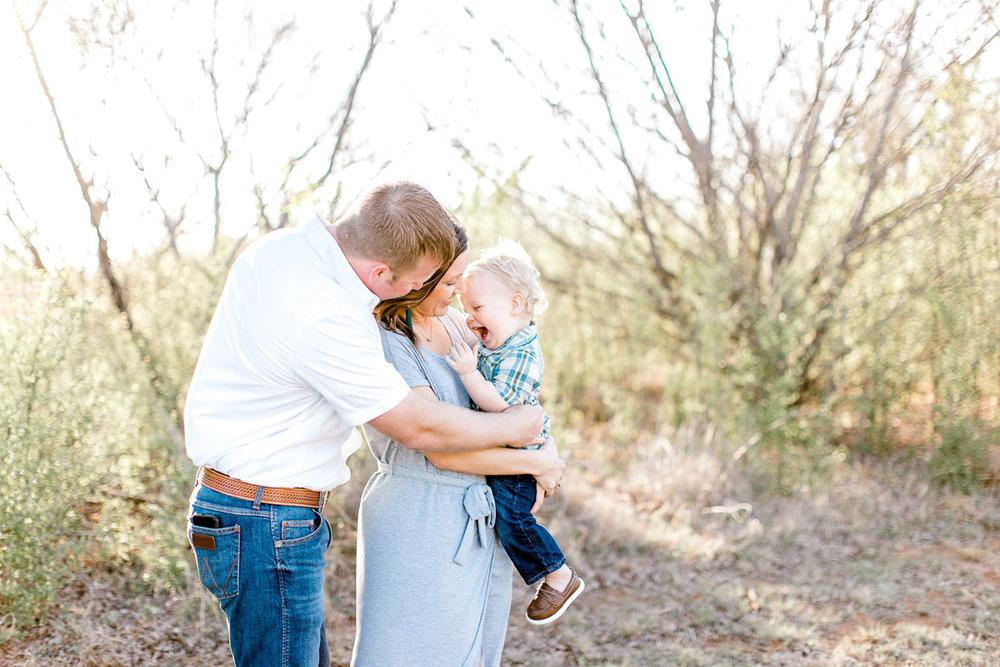 harper-family-dallas-family-photographer-kaitlyn-bullard-14.jpg