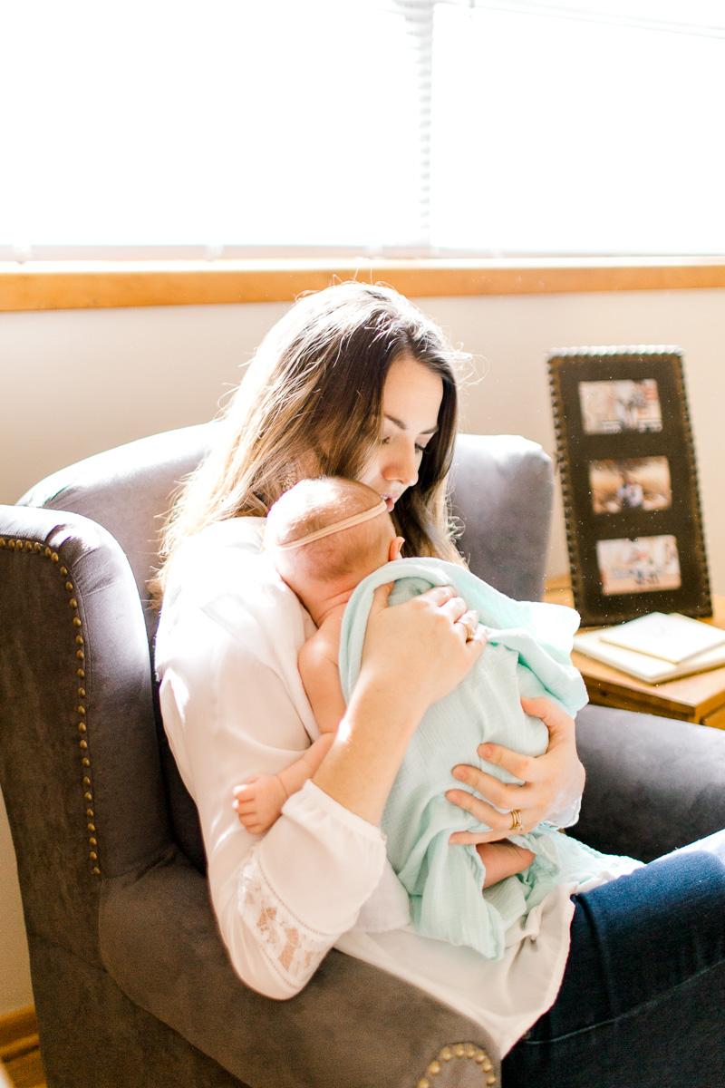 charlotte-newborn-lifestyle-session-dallas-newborn-photographer-kaitlyn-bullard-6.jpg