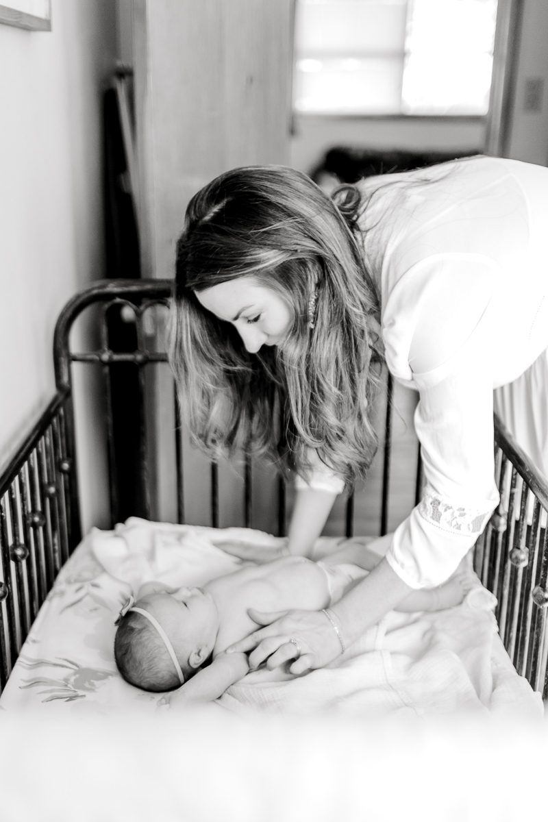 charlotte-newborn-lifestyle-session-dallas-newborn-photographer-kaitlyn-bullard-22.jpg