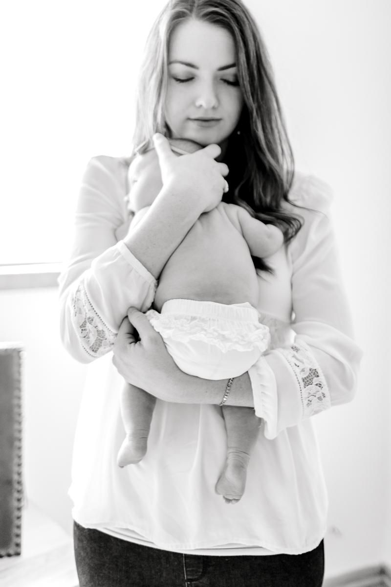 charlotte-newborn-lifestyle-session-dallas-newborn-photographer-kaitlyn-bullard-24.jpg