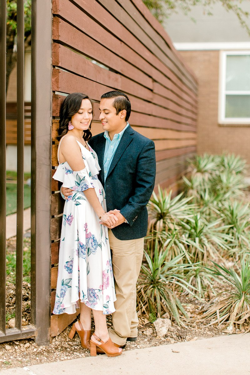 bety-luis-downtown-dallas-engagement-session-dallas-wedding-photographer-kaitlyn-bullard-28.jpg
