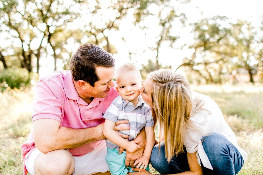 austin-family-photographer-kaitlyn-bullard-burnet-family-photos-11.jpg