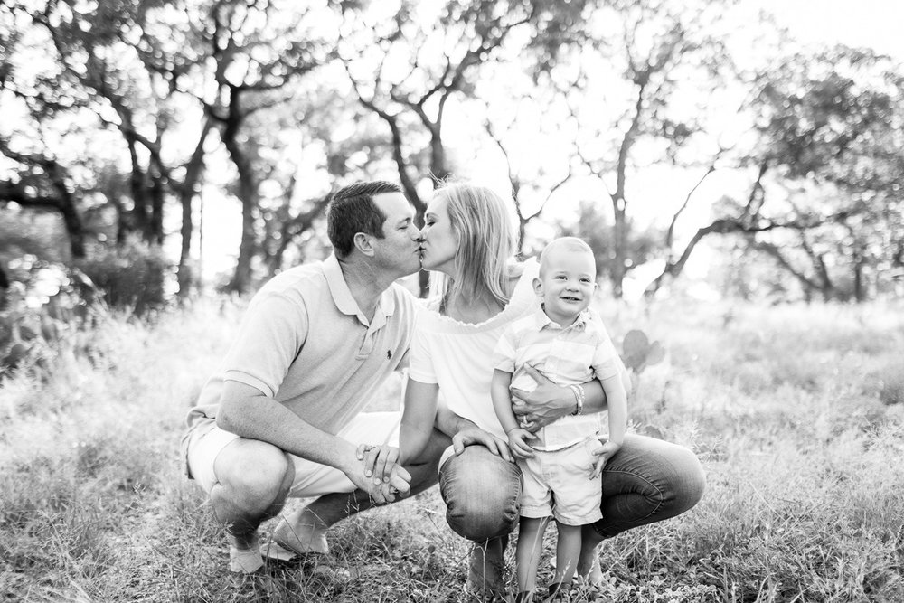 austin-family-photographer-kaitlyn-bullard-burnet-family-photos-15.jpg