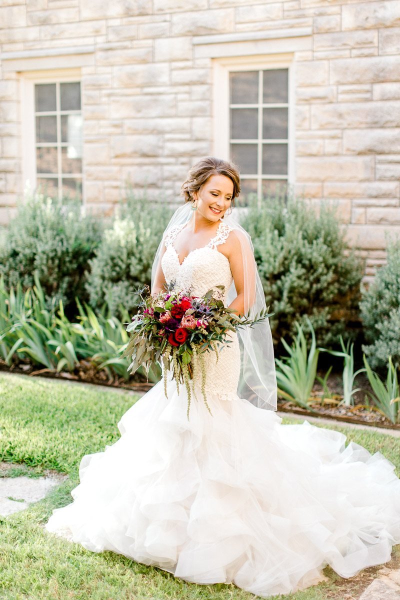 dallas-wedding-photographer-kaitlyn-bullard-mckenzi-bridal-5.jpg