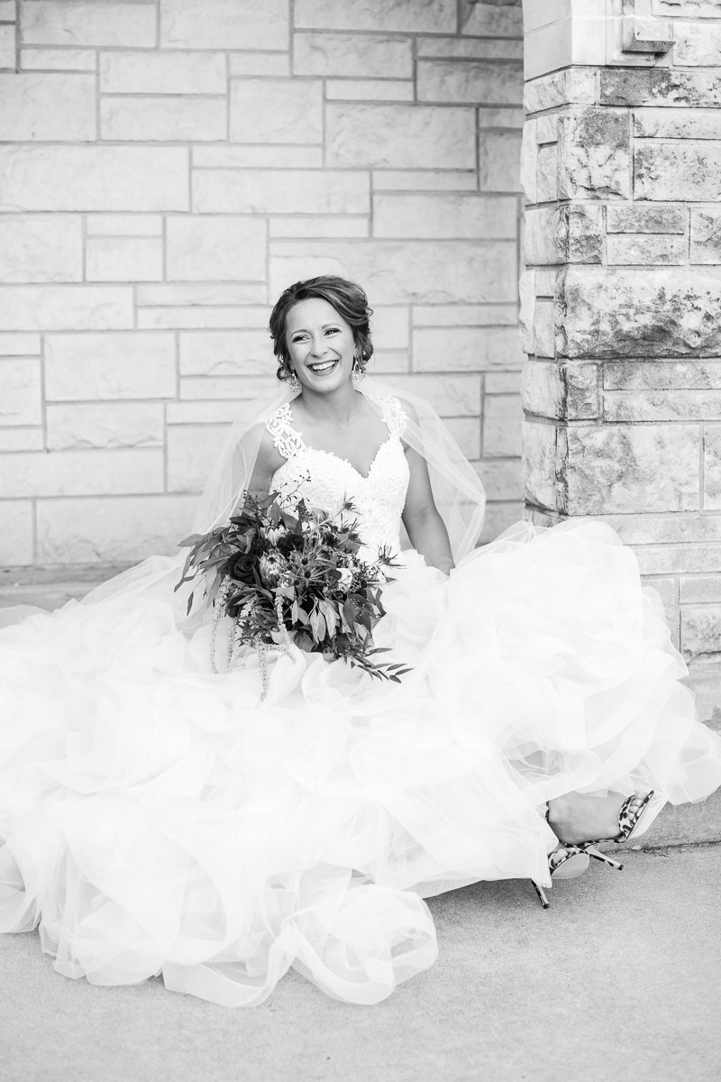 dallas-wedding-photographer-kaitlyn-bullard-mckenzi-bridal-27.jpg