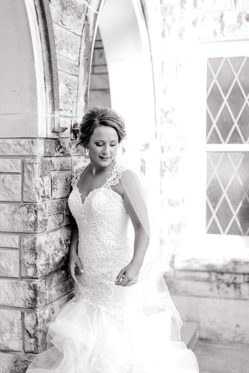 dallas-wedding-photographer-kaitlyn-bullard-mckenzi-bridal-29.jpg