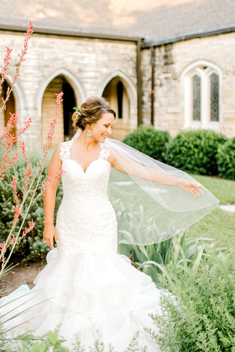 dallas-wedding-photographer-kaitlyn-bullard-mckenzi-bridal-36.jpg