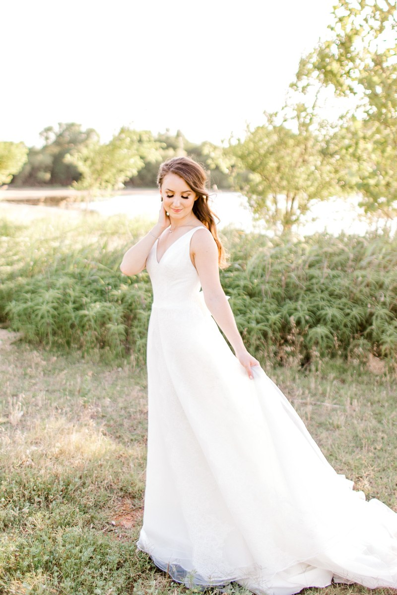 Dallas-Wedding-Photographer-Kaitlyn-Bullard-Sarah-Rearick-Bridals-17.jpg