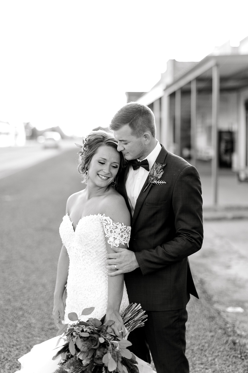 mckenzi-evan-san-angelo-texas-wedding-photographer-kaitlyn-bullard-37.jpg