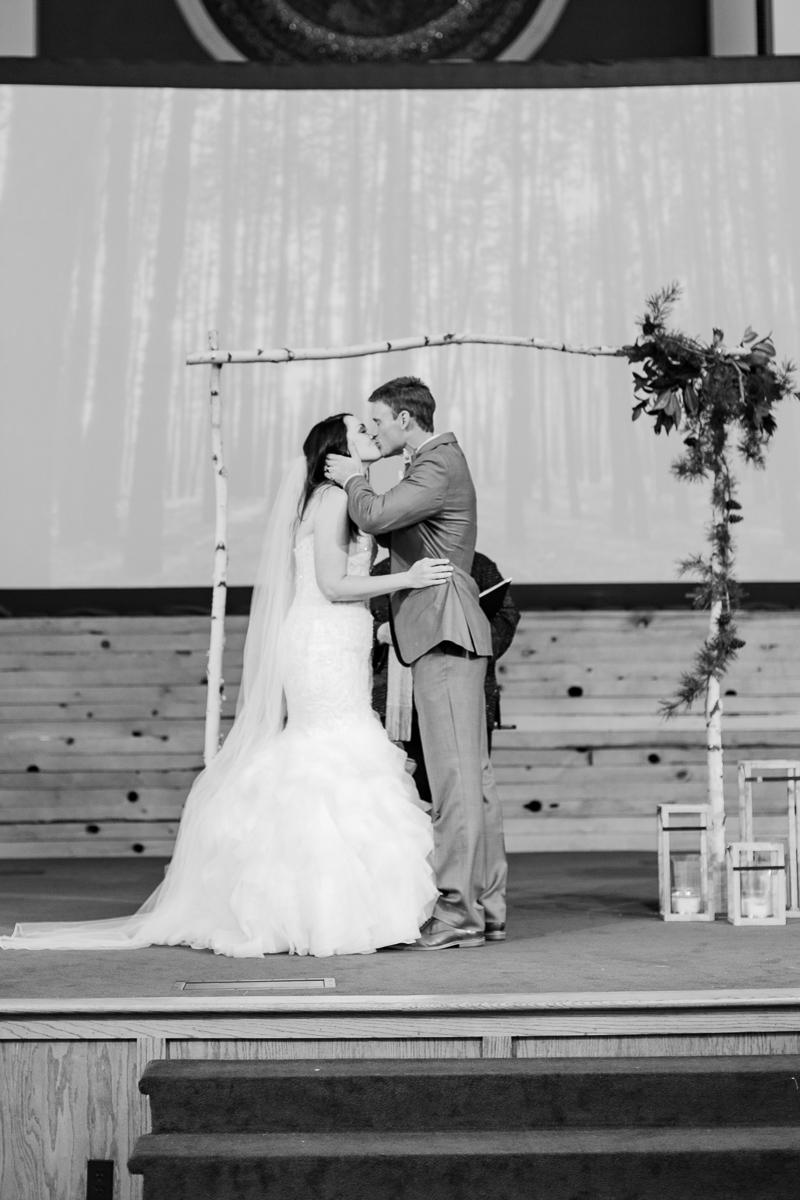 sarah-scott-bethany-first-church-wedding-okc-wedding-photographer-kaitlyn-bullard-13.jpg