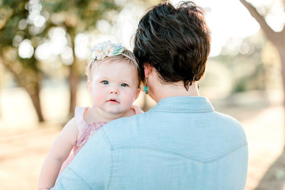 josie-one-year-dallas-family-photographer-kaitlyn-bullard-16.jpg