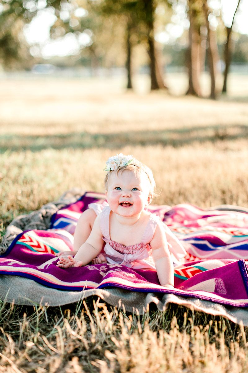 josie-one-year-dallas-family-photographer-kaitlyn-bullard-18.jpg