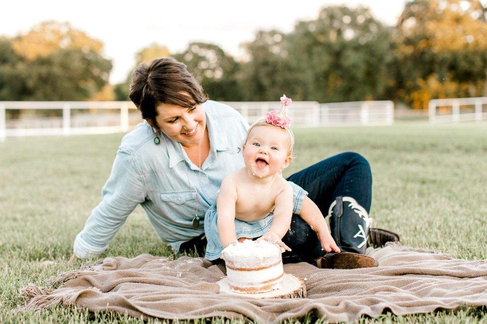 josie-one-year-dallas-family-photographer-kaitlyn-bullard-34.jpg