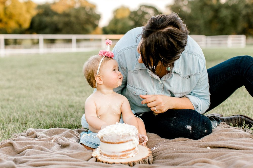 josie-one-year-dallas-family-photographer-kaitlyn-bullard-36.jpg