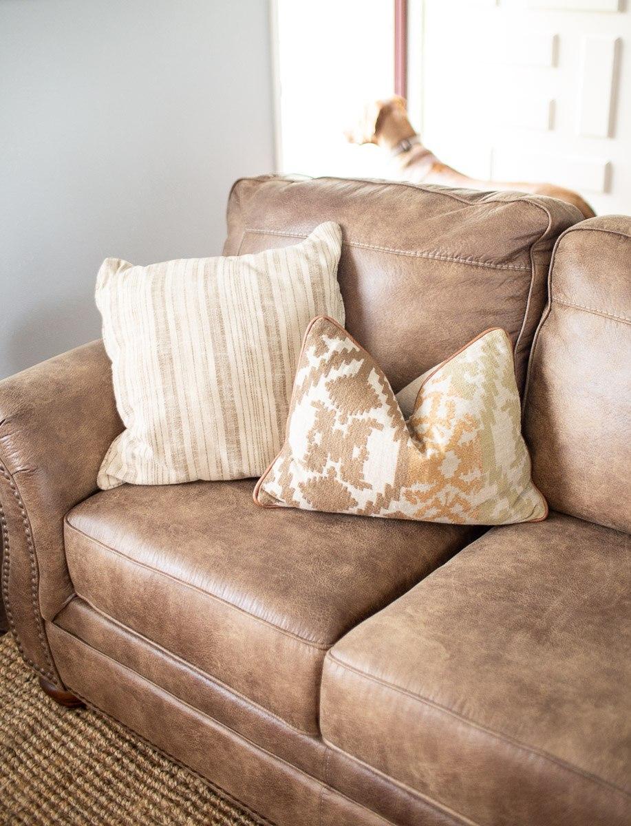 living-room-tour-dallas-lifestyle-photographer-kaitlyn-bullard-4.jpg